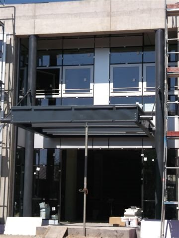 Vordachkonstruktion Bürogebäude in Bühl