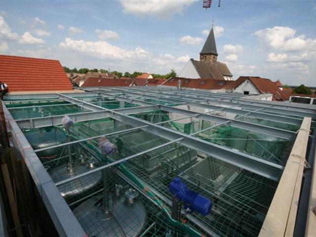 Montage einer Dachkonstruktion in Neustadt