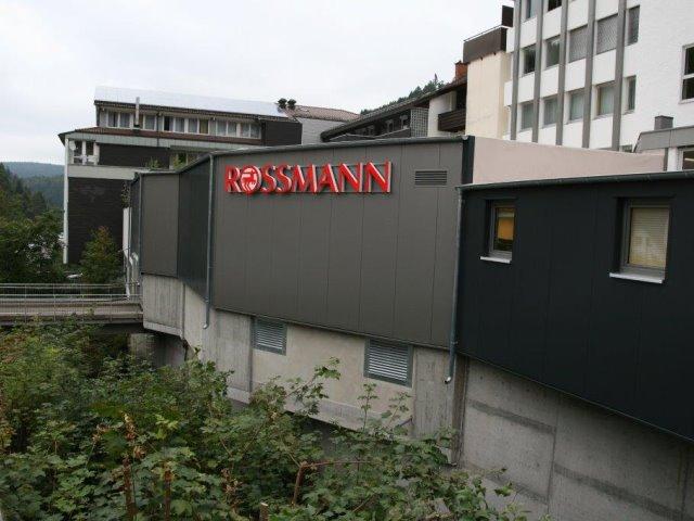 Vom Parkdeck zum Rossmann in Trieberg