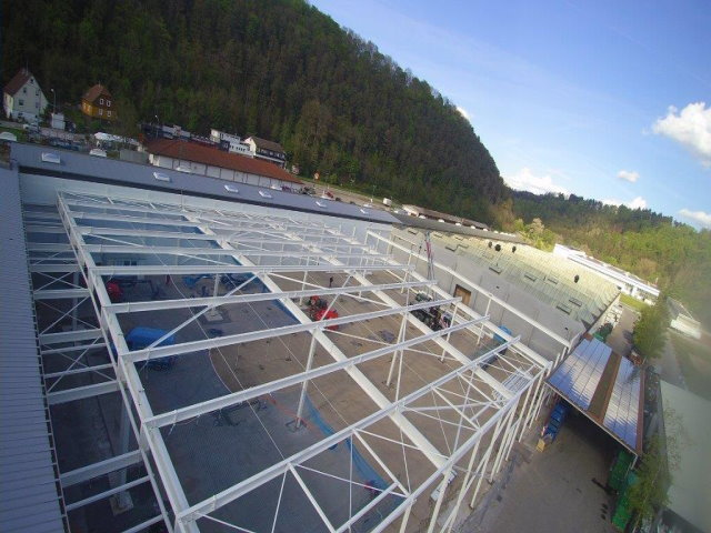 Montage einer Fertigungshalle in Sulz am Neckar