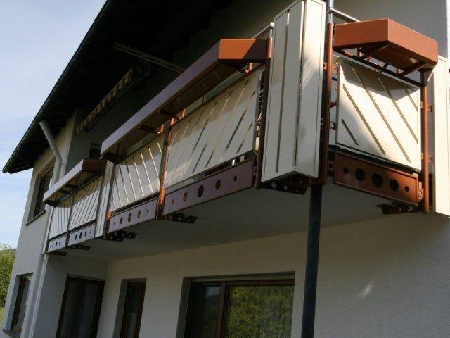 Einbauen eines Balkongeländers in Baiersbronn aus Aluminium pflegeleicht