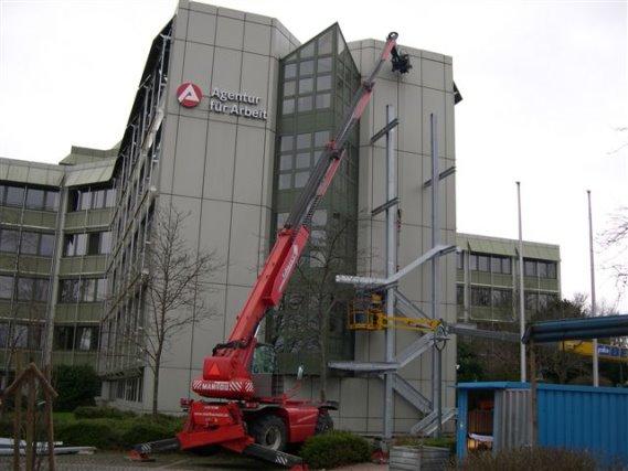 Montage von 4 Treppentürmen Arbeitsamt Konstanz
