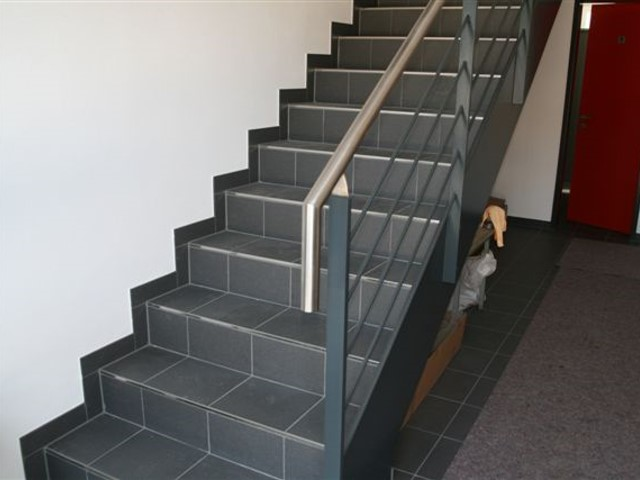 Einbauen Geländer und Treppe mit Vordächer in Oberderdingen