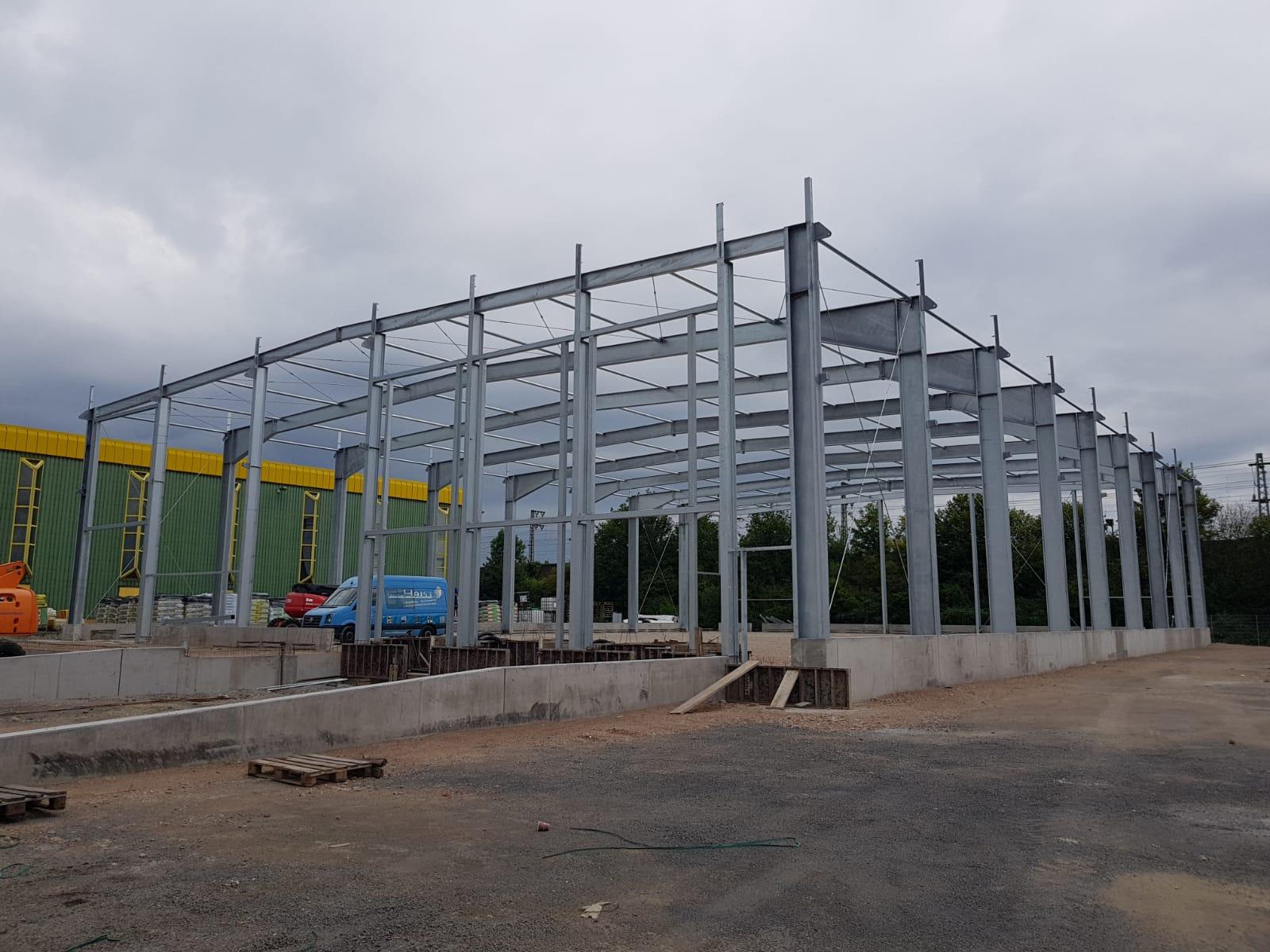 Stahlkonstruktion mit insgesamt 110 Tonnen Stahl in Appenweier aufgerichtet Egon Haist