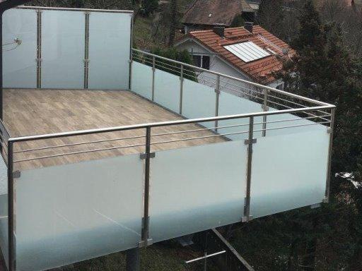 Nachträglicher Balkonanbau mit passendem Fliesenbelag in Bermersbach
