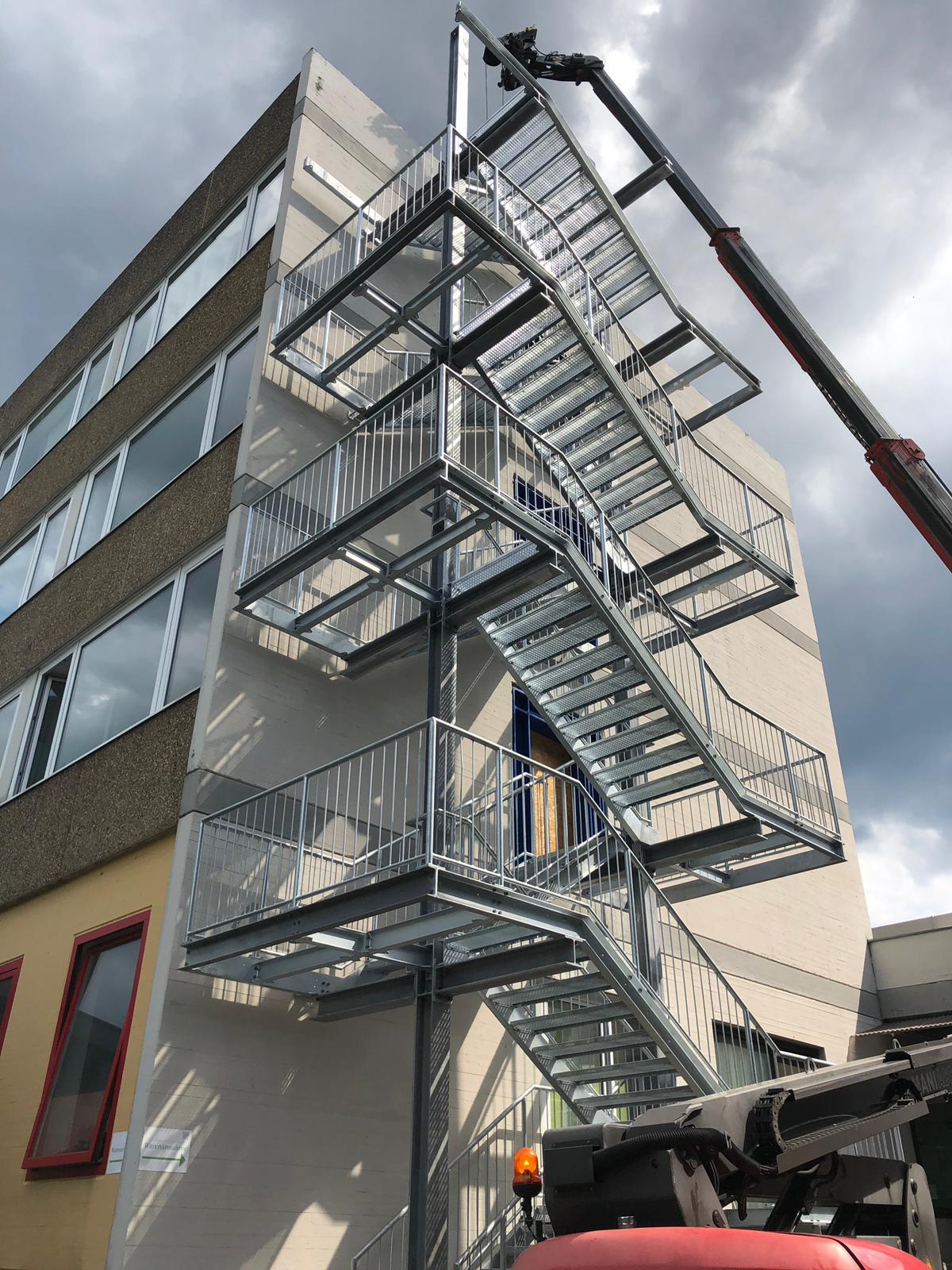 Flucht- und Rettungstreppe in Stuttgart-Vaihingen Stahlbau Haist